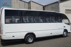 Institution-Bus-Mistubishi-2015.jpg